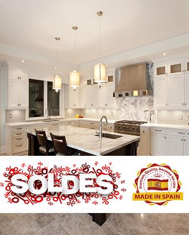 intérieur de cuisine dans la nouvelle maison de luxe